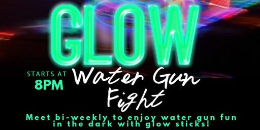 GLOW Water and Paint Gun Fight