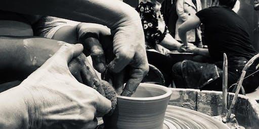 Flingin' Pots and Drinkin' Pints