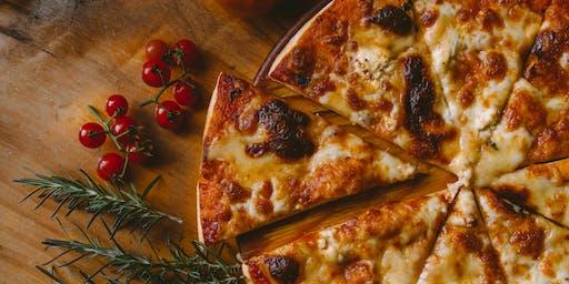 Pizza, Brætspil og Fredagsbar