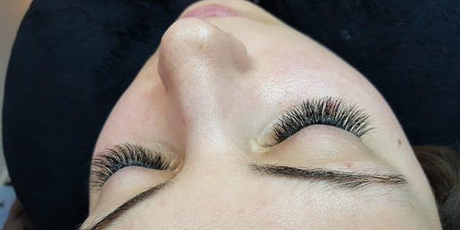 Eyelash Extensions  - Beginner's Class
