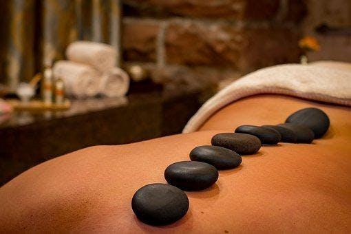 Atelier de massage au pierres chaudes