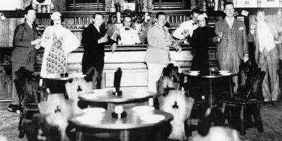 Broadway Prohibition Pub Crawl