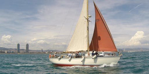 Private sail for 7 on a classic wooden yacht from 1947