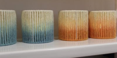 Make a dip-dye tea light