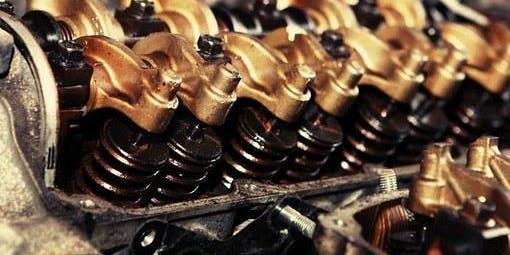 Atelier pratique sur les moteurs à essence (19-60)