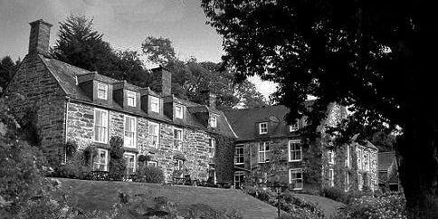 Maes Y Neuadd Manor House Ghost Hunts And Workshops