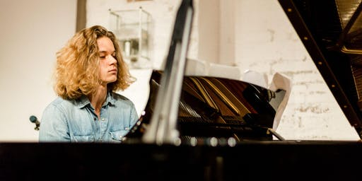 Maximilian Käding - Solo Piano