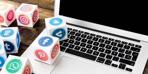 Learn How to Become a Social Media Specialist