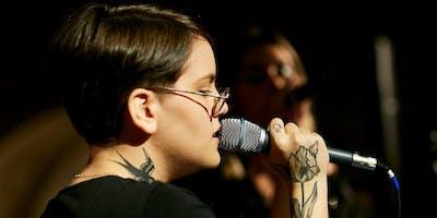 Julia Sicone - R&B, POP Internacional e músicas autorais