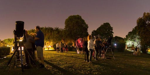Family astronomy night under the stars