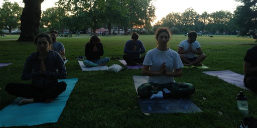 Yoga In The Park - London Fields + Picnic