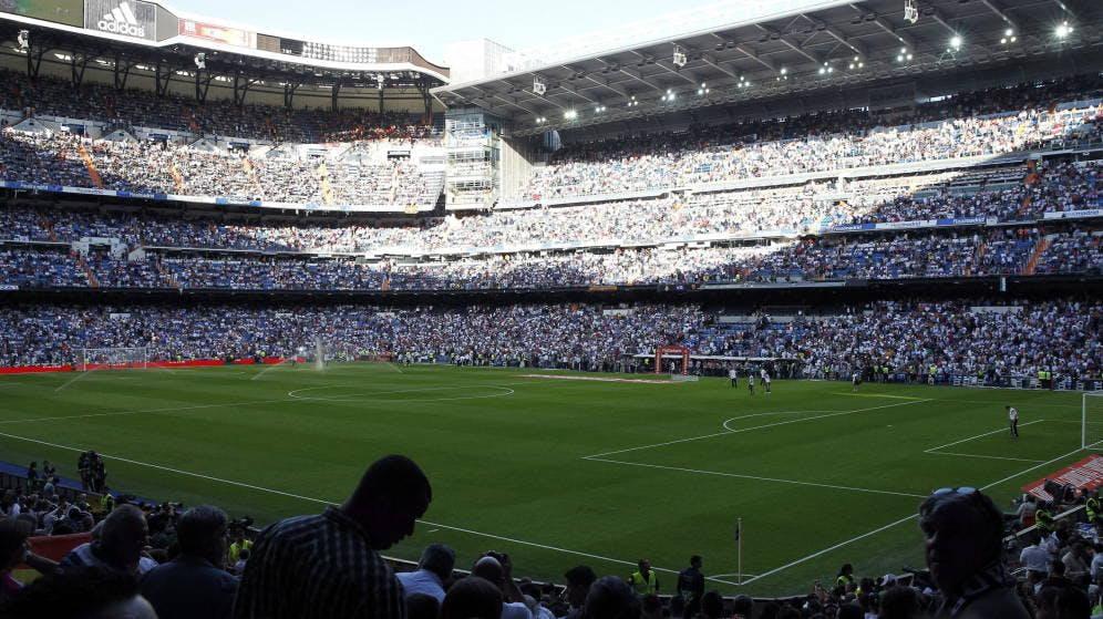 Real Madrid CF v Deportivo Alavs - VIP Hospitality Tickets