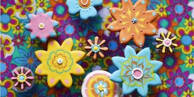 Biscuiteers+Icing+Lates+-+Flower+Power+-+Nort