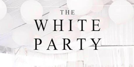 La notte bianca con aperitivo e dj set (English below).Secret party biglietti