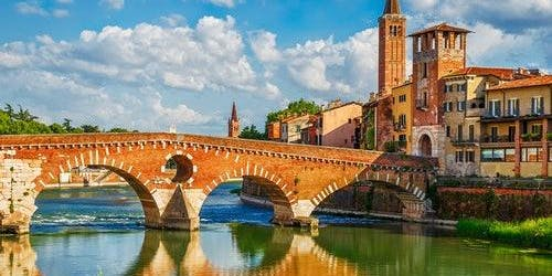 Romeo & Juliet's Verona: English Day Tour from Venice