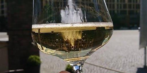Wein an den Lippen - Jetzt wird's prickelnd!