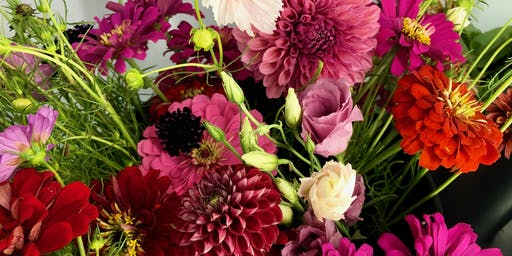 """""""Hoppin"""" Summer Flower Arranging Class at True Vine"""