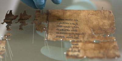 The material culture of the Dead Sea Scrolls