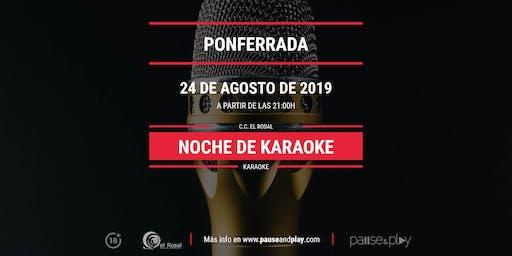 Noche de karaoke en Pause&Play El Rosal