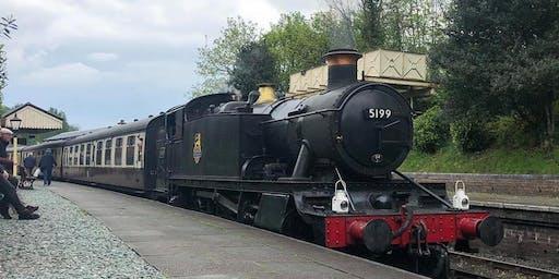 Dee Valley Tasting Train  - Tamaid ar y trên yn Nyffryn Dyfrdwy
