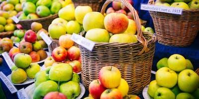 Three Eagles Apple Harvest Festival  – Gŵyl Gynhaeaf Afalau'r Three Eagles