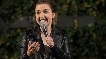 Comedian Taylor Tomlinson