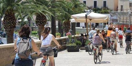 Bari History & Culture: Walking or Bike Tour biglietti