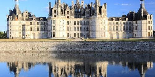 Loire Valley Castles: Roundtrip from Paris