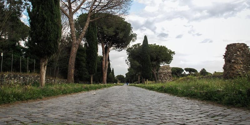 Pedalata tra storia e natura