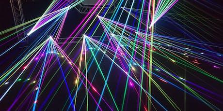 Razones para un Nobel:  la luz es una mano entradas
