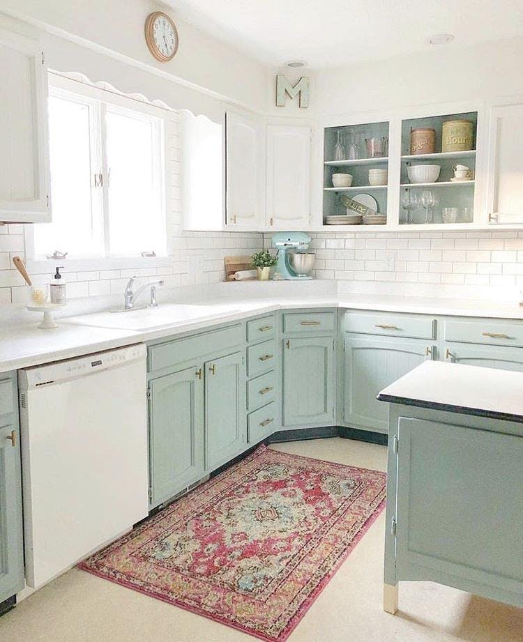Kitchen Cabinet Refresh With Chalk Paint By Annie Sloan 22 Aug 2019