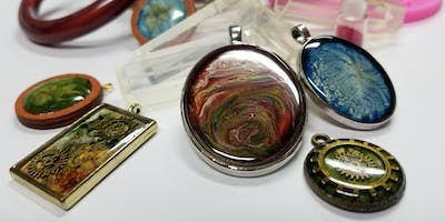 WEARABLE ART - RESIN WORKSHOP WITH ESMERALDA VAZQUEZ