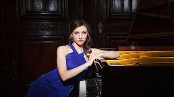 Pianist Anna Dmytrenko