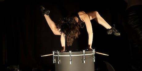 Berlin: Gut Reaction (Percussive Dance Theatre) - Zwang See tickets