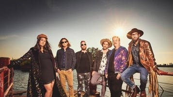103.3 The Edge's Pop-Up/Unplugged: Strumbellas