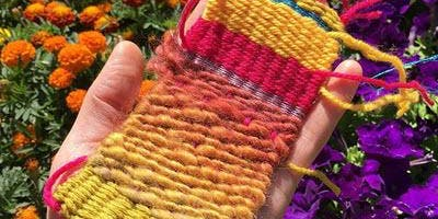 Mini loom weaving