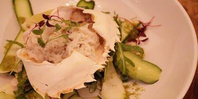 Crab preparation masterclass at Cantina