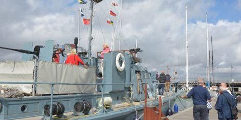 No9. Onboard HDML Medusa (14 Sept - 14:00)