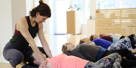 Sei doch mal still: Yin Yoga XXL mit geführter Meditation + langem Savasana Tickets
