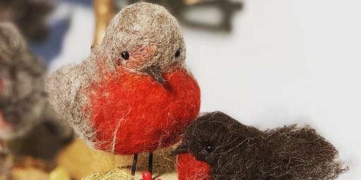 Needlefelt Robin - Christmas gift or tree decoration @ Amber Button