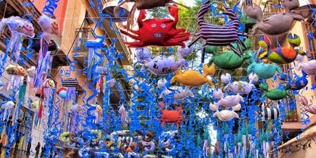 Walking tour: Especial fiestas del barrio de  Gràcia tickets