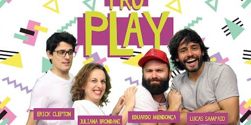 Sobe Pro Play | Comédia | Sesc Ijuí