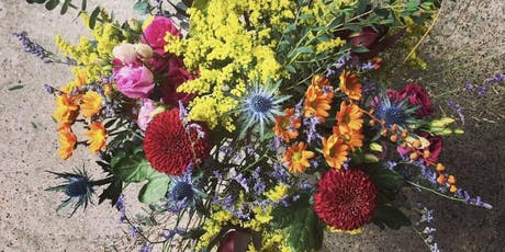 Autumn handtied bouquet workshop with Gray & Greenery  tickets