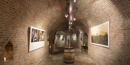 Pop-up gallery Des Arts in 600 year old castle