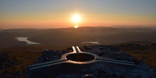 Sunset on the Summit/Machlud ar y Mynydd