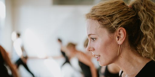 Barre3 at Diane Matthews School of Dance Arts with Lindsey with Lindsey