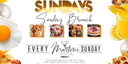 SUNDAY BRUNCH @ Martini Bar
