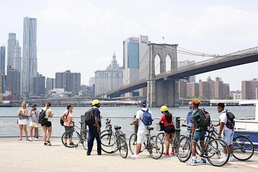 Private Bike Tour of the Brooklyn Bridge (01-10-2020 starts at 12:00 PM)