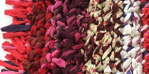 Taller de Arte Textil para NIÑOS sobre el trabajo urbano con Águeda León