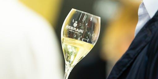Un brindisi Ferrari in Triennale Milano durante la Milano Wine Week